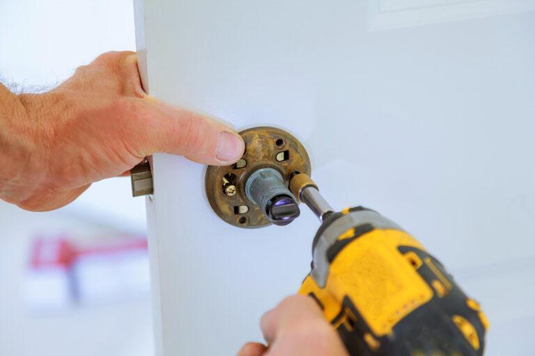 fixing-lock-2