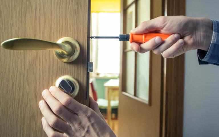 repair-door-handle-mounting-lock-wooden-door